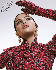 Selena Gomez Stars in the Cover Story of CR Fashion Book China First Issue Selena Gomez Looks, Selena Gomez Photoshoot, Selena Gomez Pictures, Marie Gomez, Fashion Books, China Fashion, Music Artists, Instagram, Stylists