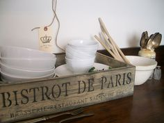 nice for coffee bar Rustic French, French Country Style, French Decor, French Country Decorating, Bar Drinks, Beverage Bars, French Boutique, Beige Room, Old Crates