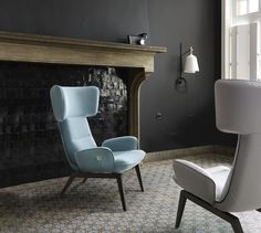 Wing armchair with armrests By Ligne Roset design Toshiyuki Kita Modern Furniture Stores, Furniture Styles, Table Furniture, Furniture Design, Contemporary Armchair, Contemporary Design, Italia Design, Decoration Design, Chair Design