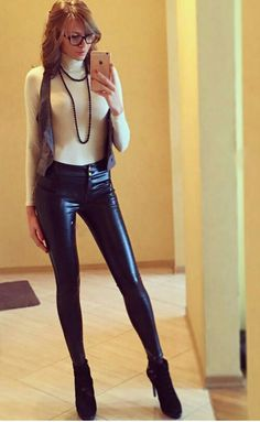 hot blonde girls in thongs topkess