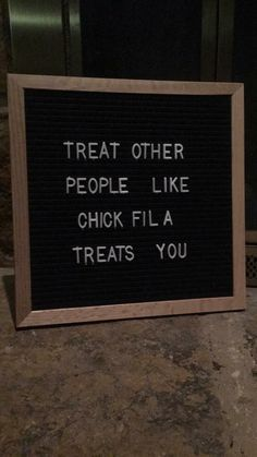 The Best Funny Letter Board Quotes - Mama and More Treat other people like chic. The Best Funny Letter Board Quotes - Mama and More Treat other people like chick fil a treats you letterboard q Life Quotes Love, Quotes To Live By, Me Quotes, Funny Quotes, Humor Quotes, Funny Classroom Quotes, People Quotes, Fun Work Quotes, Treat Others Quotes