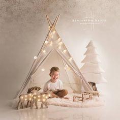 Arrancamos los preparativos para la tan esperada Navidad!!! Preparados??? www.benjaminynadia.com  #navidad #fotografosabiñanigo #fotografiainfantil #postalesnavideñas #reserva @benjaminynadia @benjamin_espana #lookJKIDSsabiñanigo Toddler Bed, Wedding Dresses, Furniture, Home Decor, Infant Photography, Studio, Xmas, Fotografia, Bride Gowns