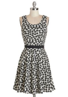 Always Be My Daisy Dress. You know your love for this delightful floral dress will never end! #gold #prom #modcloth