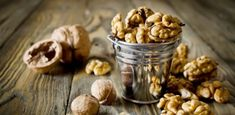 Φάτε 5 καρύδια και περιμένετε για 4 ώρες:Θα εκπλαγείτε με το αποτέλεσμα! Almond, Garlic, Vegetables, Food, Fall Color Schemes, Essen, Almond Joy, Vegetable Recipes, Meals