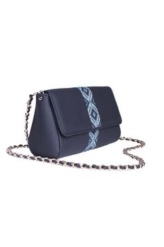 #busta #bustabags #leatherbag #leather #streetstyle #blue #embroidery #folklore #handmade #crossbody #leathercrossbody #metalchain