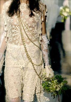 Tabard-style crochet lace wedding dress!  (source: Rose-Style)