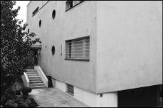 Ladislav Zak @ Villa Lida Baarova [1937] #2 Stone Stairs, Bauhaus, Prague, Villas, Modern Architecture, 1920s, Buildings, Mid Century, Search