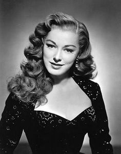 Eleanor Parker and her immensely gorgeous locks! #vintage #actress #1940s #hair