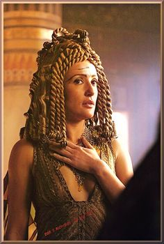 "Lyndsey Marshal as ""Cleopatra"" in HBO's ROME (2005-2007)."