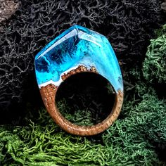 Size 7 Wood Resin Ring Aqua Blue