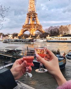 🌟⭐️✨ guess where are we going next week 😍🙌🏻⭐️✨🌟 so excited to explore new places in my favorite city ⭐️ Source Oh The Places You'll Go, Places To Travel, Travel Destinations, Paris Travel, France Travel, Merci Paris, Around The Worlds, Photos, Explore