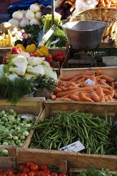 Las verduras de colores fortalecen los músculos gracias al nitrato. Cuanto más fuerte el color de la verdura, más sana es. Si haces deporte regularmente, te haces un gran favor a ti mismo y a tu cuerpo si incluyes espinacas, remolacha, lechuga y acelgas en tu dieta.