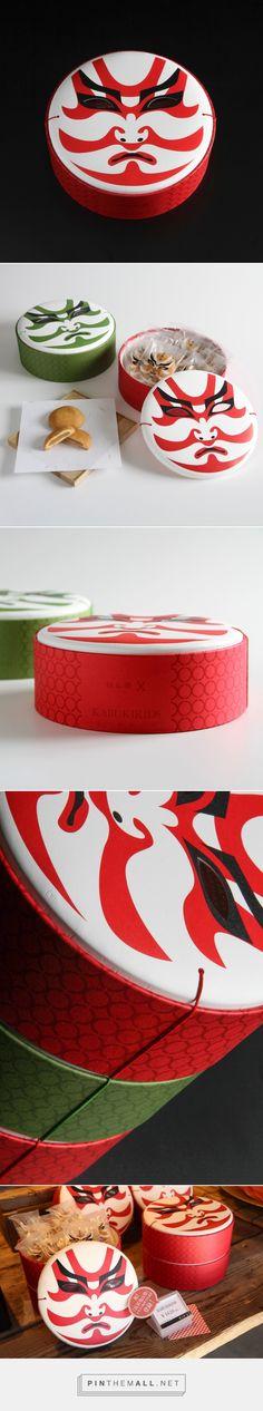 Kabuki Kids snacks packaging design by Masahiro Minami - http://www.packagingoftheworld.com/2017/03/kabuki-kids.html