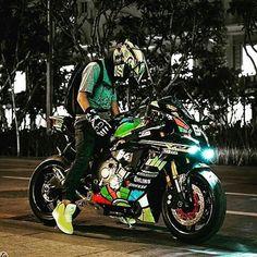 Ideas For Motorcycle Yamaha Valentino Rossi Valentino Rossi, Yamaha Motorcycles, Yamaha Yzf R1, Yamaha R1 2016, Bike Look, Cb 600 Hornet, Cb 1000, Custom Sport Bikes, Sportbikes