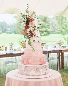See some of our favorite, unique spring wedding ideas using spring wedding colors and spring wedding flowers. Wedding Cake Fresh Flowers, Summer Wedding Cakes, Black Wedding Cakes, Spring Wedding Flowers, Wedding Cake Rustic, Rustic Wedding Flowers, Beautiful Wedding Cakes, Perfect Wedding, Cake Flowers