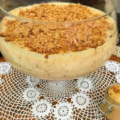 Essa receita de creme de paçoca é perfeita para rechear bolos e tortas e até mesmo comer de colher. Uma delícia. Para massa, indico nosso pão de ló perfeit