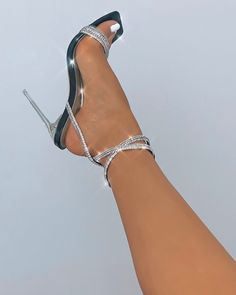 Fancy Shoes, Trendy Shoes, Me Too Shoes, Clear Strap Heels, High Heels, Shoes Heels, Heels Outfits, Hype Shoes, Fashion Heels
