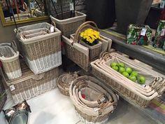 Deixe sua casa ainda mais organizada, venha conhecer os organizadores em Vime. Só na Adoro Presentes.   #adoro #adoropresentes #lojavirtual #decoração #decor #home #casa #organizadores #cestas #vime
