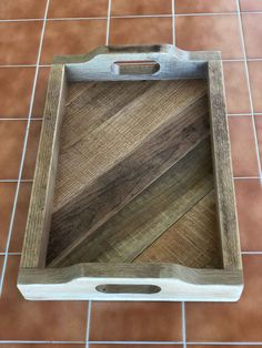 Re-Purposed Oak Pallet Serving Tray, Ottoman Tray, Coffee Table Tray - Woodworking - Pallet Projects Pallet Tray, Diy Pallet Sofa, Wooden Pallet Projects, Pallet Crafts, Diy Pallet Furniture, Furniture Ideas, Pallet Ideas, Pallet Tables, Pallet Shelves