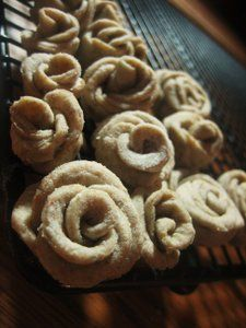 Chef Tess Bakeresse: Edible Decorative Bread dough (inert dough for flowers on bread)