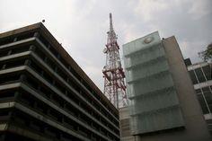 MÉXICO, D.F. (apro).- Los magistrados del Segundo Tribunal Colegiado en materia de telecomunicaciones ratificaron la multa impuesta por la extinta Comisión Federal de Competencia (CFC) por 53.8 mil...