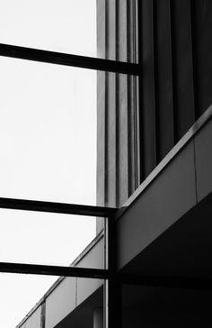 Il s'agit d'une série de photographies consacrée à la ville de Brest, commencée lors d'un workshop au Centre Atlantique de la Photographie en avril 2015 en