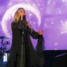Stevie onstage   ~ ☆♥❤♥☆ ~    with an awesome backdrop of the moon behind her; she's singing her iconic song 'Sisters Of The Moon' at Madison Square Garden in New York City, NY on December 1st, 2016 during her '24 Karat Gold' US tour concert 2016 ~   ~  https://www.stevienicksofficial.com/news/stevie-nicks-announces-27-city-north-american-24-karat-gold-tour-with-pretenders   photo credit:  Debra L Rothenberg