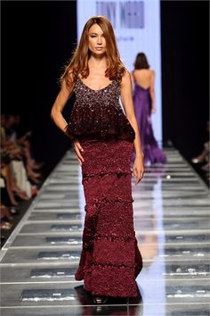 Take a look to Tony Ward Haute Couture Fall Winter 2008/2009collection: the fashion accessories and outfits seen on Roma runaways.
