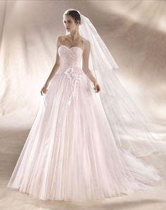 SERENA - Vestido de tul y organza.Posibilidad de corsé o cremalleraColor rosa clarito o blanco natural