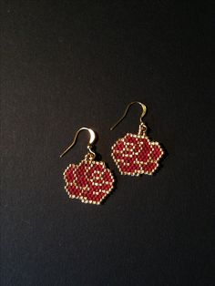 Brick stitch earrings made from Miyuki gold/dark red seed beads - Brick stitch earrings made from Miyuki gold/dark red seed beads - Seed Bead Jewelry, Bead Jewellery, Seed Bead Earrings, Seed Beads, Beaded Earrings Patterns, Peyote Patterns, Beading Patterns, Crochet Earrings, Brick Stitch Earrings