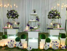 Decoração Casamento Com Mesa de Vidro Lilás e Branco