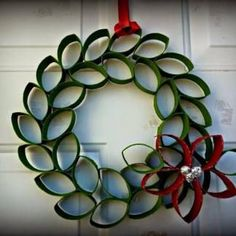 DIY Christmas Decoration Ideas With Origami Paper – Home and Apartment Ideas Christmas Crafts To Make, Diy Christmas Decorations Easy, Christmas Ornament Crafts, Christmas Art, Christmas Projects, Holiday Crafts, Christmas Wreaths, Diy Decoration, Christmas Cookies