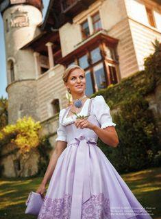 Susanne Spatt, Dirndl aus Salzburg - TRACHT. heute, Qualität hat Tradition in Salzburg Dirndl Dress, Gold Bullion, Every Woman, Ever After, Traditional Outfits, Dream Wedding, Flower Girl Dresses, Disney Princess, Stylish