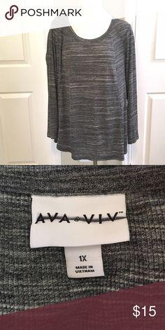 "Long sleeve tunic NWOT 2X rubbed thin material Bust: 25"" length 31"" Ava & Viv  Tops Tunics"