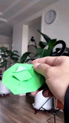 Paper Mache Crafts, Paper Crafts Origami, Paper Crafts For Kids, Diy For Kids, Paper Oragami, Paper Games For Kids, Craft Kids, Diy Paper, Diy Crafts Hacks