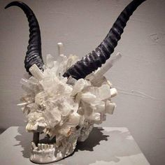"black and white - skull with horns - ""Genus Open Jaw"" - Quartz, sellinite,marble powder, and resin - sculpture - Alexis Karl Art Actuel, Gothic House, Vintage Stil, Crystal Skull, Objet D'art, Skull And Bones, Skull With Horns, Grafik Design, Skull Art"