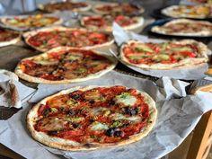 Pâte à pizza fine au levain ou pas Pizza Buns, Pizza Rolls, Pizza Au Levain, Pate A Pizza Fine, Bon Appetit, Vegetable Pizza, Bread, Cooking, Menu