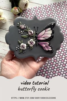 Fancy Cookies, Valentine Cookies, Iced Cookies, Cute Cookies, Sugar Cookies, Cookie Icing, Royal Icing Cookies, Butterfly Cookies, Cookie Tutorials