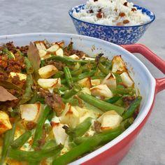 Bobotie - Healthy by Elisa Celery, Sprouts, Cabbage, Vegetables, Healthy, Food, Cilantro, Essen, Cabbages
