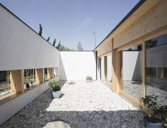 Gallery of SCL Straw-Bale House / Jimmi Pianezzola Architetto - 3
