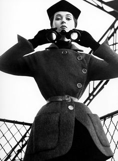 Модель Довима в пальто от Dior, 1950