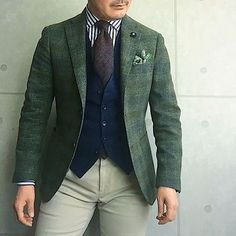 . 2017/02/24. . おはようございます✨. . 今日はこんな感じです✨. . . . Jacket #LARDINI Tie #FRANCOBASSI Shirts #Brillaperilgusto Gilet #TAGLIATORE Chief #Petronius Pants #PT01 * * * #mensstyle #mensfashion #menswear #mnswr #wiwt #fashionable #me #photooftheday #picoftheday #instagood #instastyle #instafashion #IGfashion #instacool #coordinate #dapper #ootd #outfit #outfitpost #fashiongram #gentleman #fashionista #dandy #wearinglardini