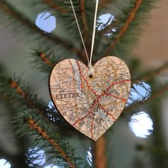 Got a special spot in the world? Map it on a Christmas ornament, with this bespoke map & personalised Christmas keepsake.