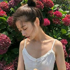 Jung So Min, Young Actresses, Korean Actresses, Camisole Top, Actors, Tank Tops, Hair Styles, Beauty, Women