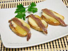 Montaditos de Arzúa-ulloa con anchoas - Mis cosillas de Cocina