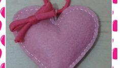 Manualidades fáciles para San Valentín: Collar con corazón en fieltro.