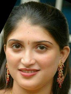 Indian Girls Images, Indian Beauty Saree, India Beauty, Beauty Women, Close Up, Desi, Drop Earrings, Big, Fashion