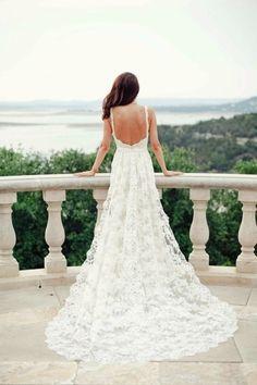 backless wedding dress http://www.jenny.gr/backless-wedding-dresses/