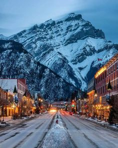Banff, Alberta, Canada (Photo credit to Hagar-) Places To Travel, Places To Go, Travel Destinations, Fotos Do Canada, Places Around The World, Around The Worlds, Parc National De Banff, Banff Canada, Canada Snow