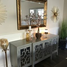 Studio Apartment Decorating, Foyer Decorating, Boho Living Room, Living Room Decor, Entrance Table Decor, Home Organization Hacks, Buffet, Home Decor Shops, Home Design Plans